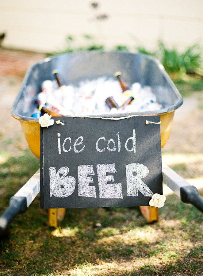 Way to cool drink in old wheelbarrow | Fab Mood #summerwedding
