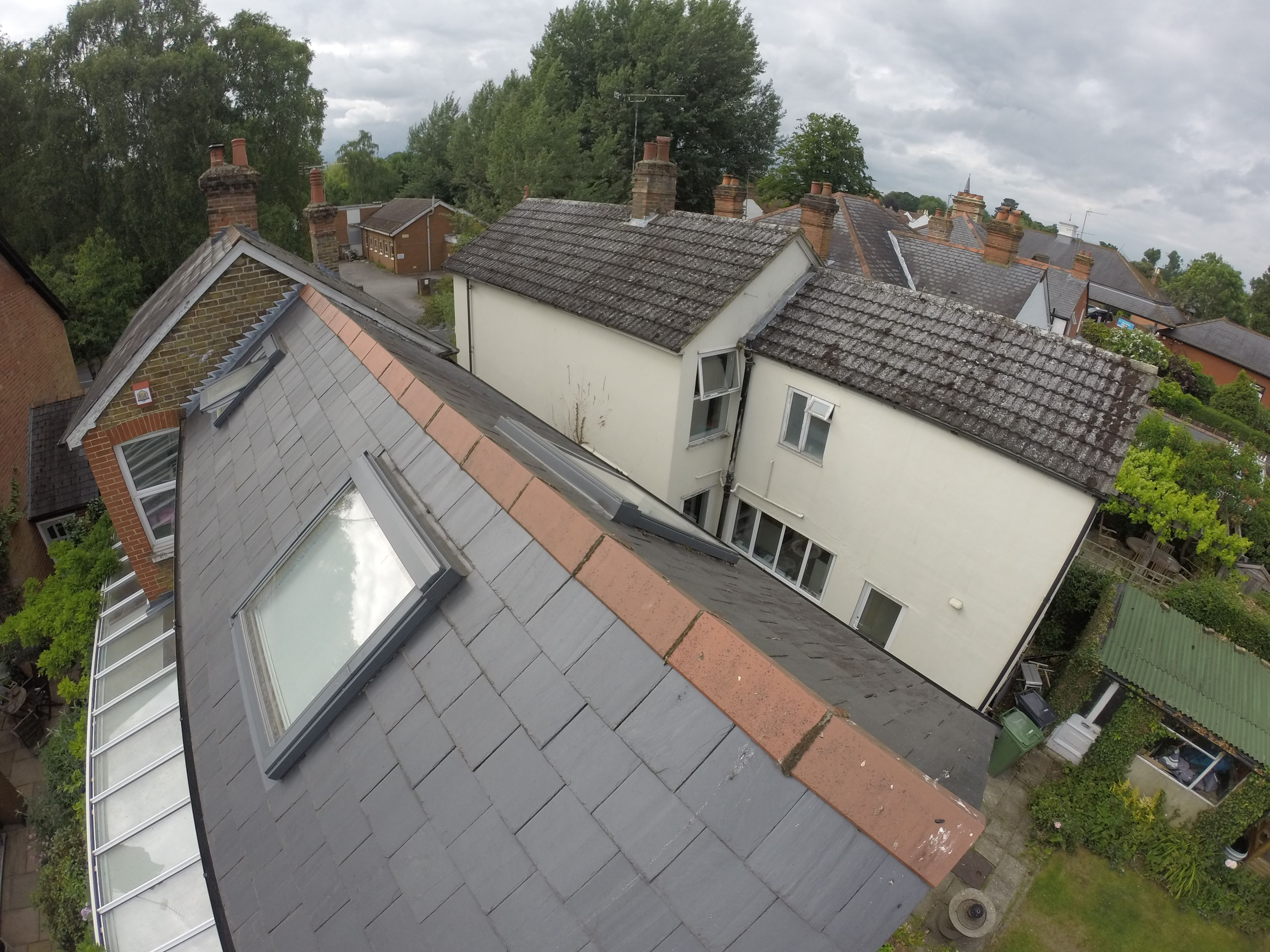 Best View Of A Roof In Chobham Using Airocam To Try And Locate 400 x 300