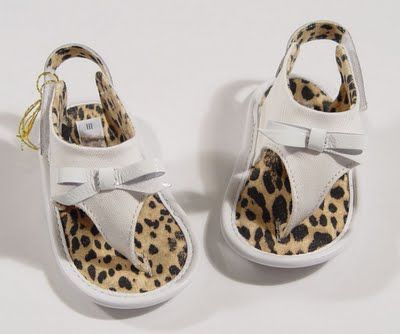 Roberto Cavalli baby leopard thong sandals