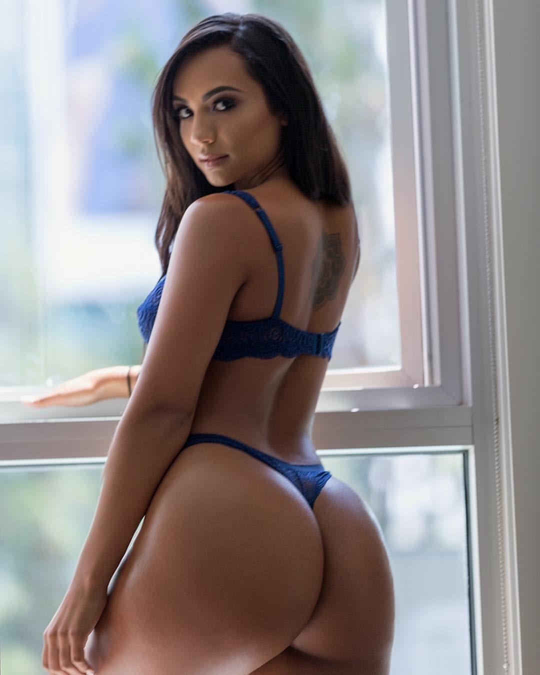 naked naughty slut women