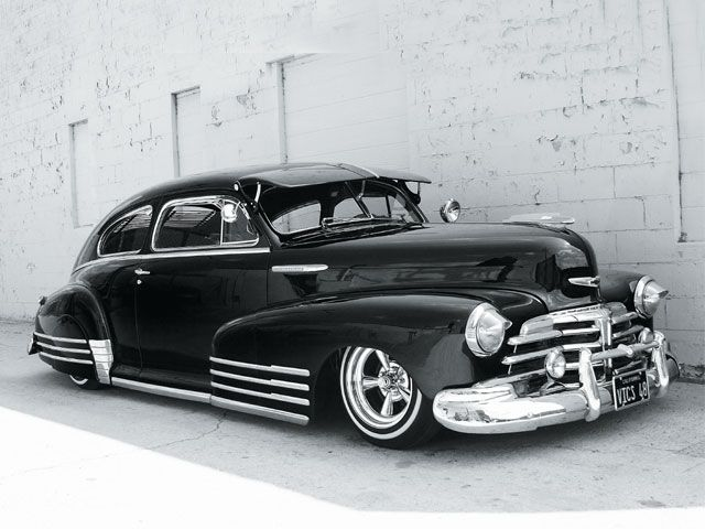48 Chevy Fleetline This Was The Kind Of Car My Husband Had When We First Started Dating I Didn T Like It Beca Classic Cars Cool Old Cars American Classic Cars