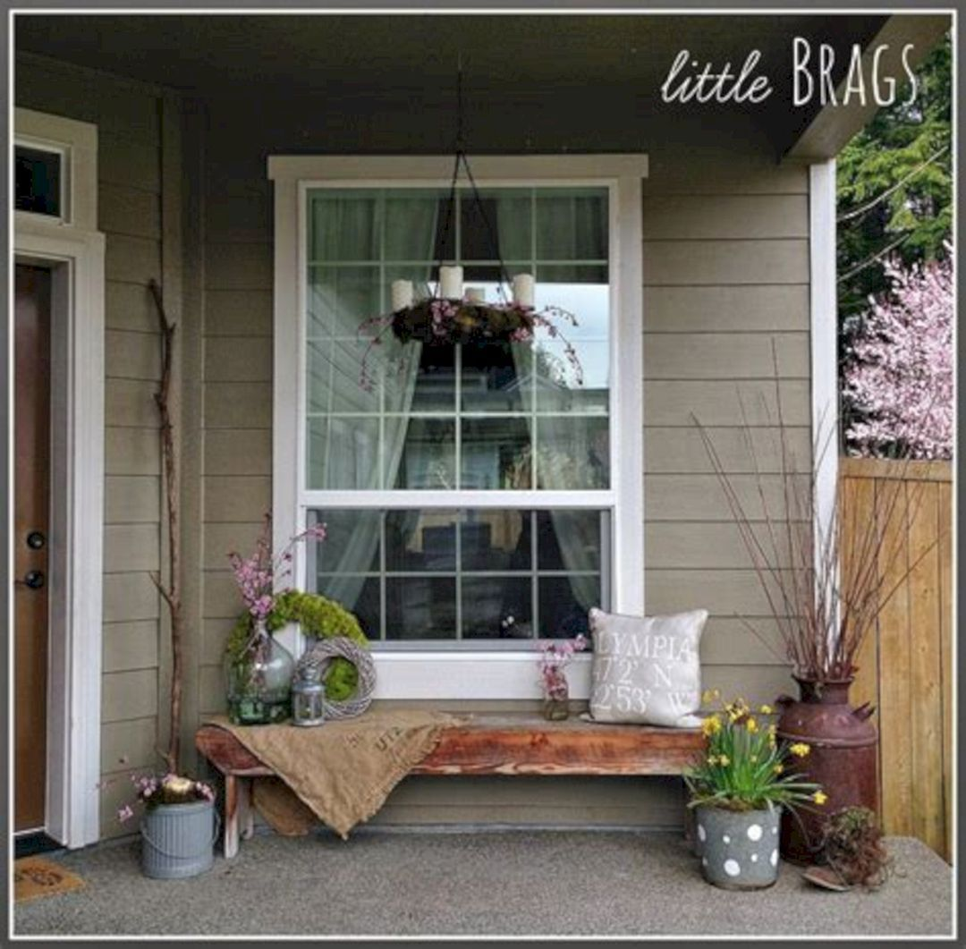 Wonderful 25+ Tiny Front Porch Decorating Ideas On A Budget / FresHOUZ.com #smallporchdecorating