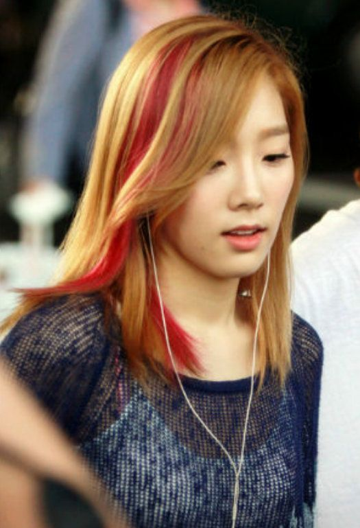Taeyeon Bold Hair Color Medium Length Hair Styles Hair Tutorial