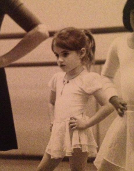 Emma Roberts | Celeb Child Pics | Emma roberts, Robert young