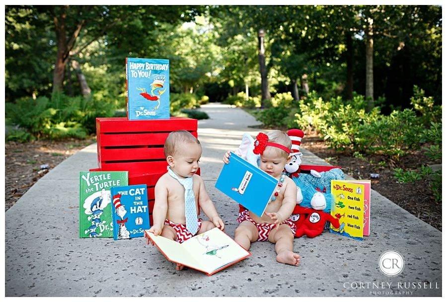 TheWoodlands_twins_birthday_fun_drsuess