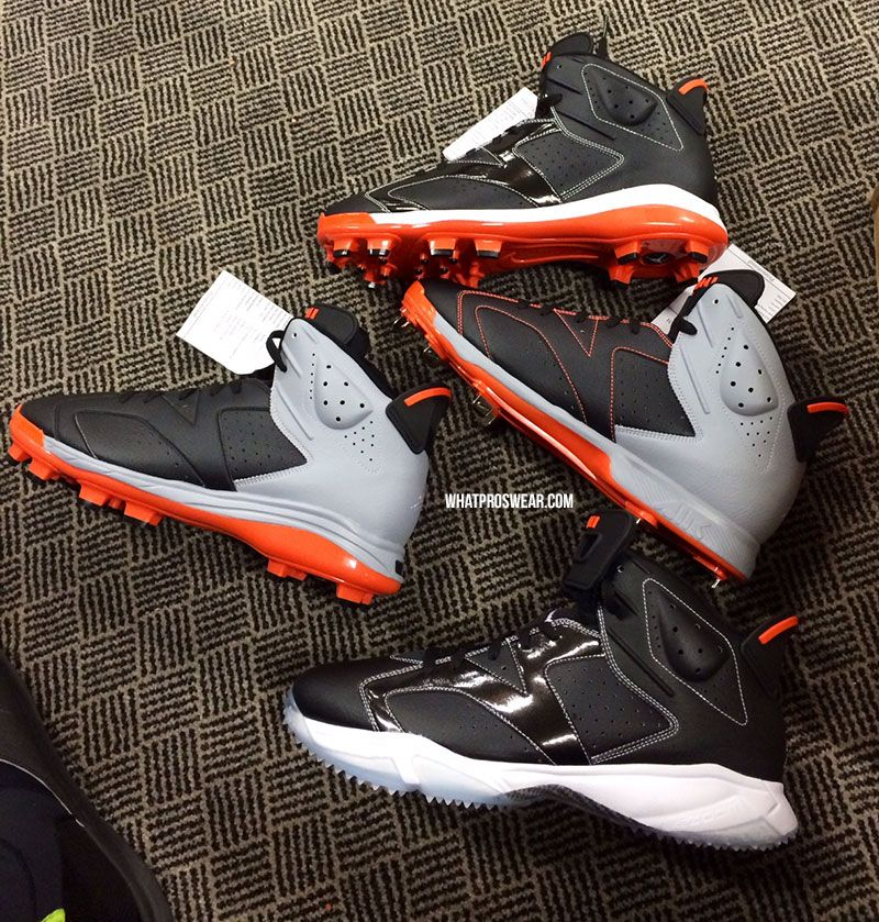 1a2ddb29b What Pros Wear Manny Machado (Cleats