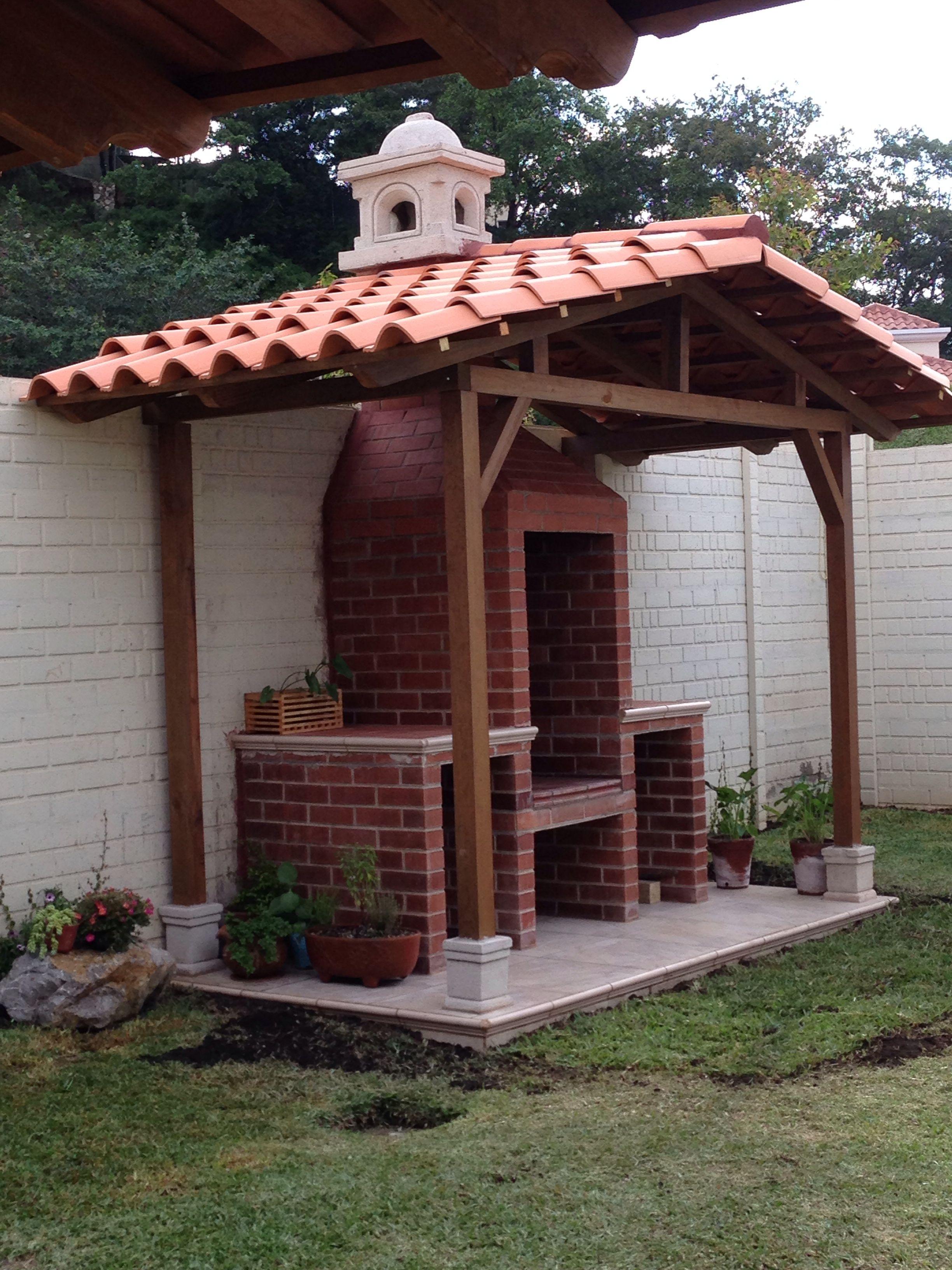 Churrasquera de ladrillo y madera bbq ideas pinterest for Asadores de jardin de ladrillo