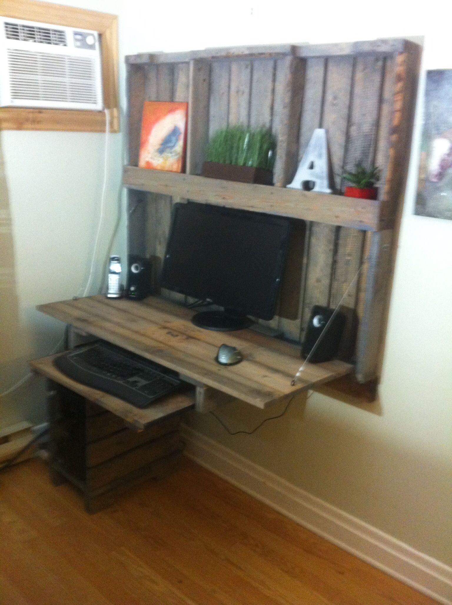 palette desk bureau pinterest bureau palette bureau et bois. Black Bedroom Furniture Sets. Home Design Ideas