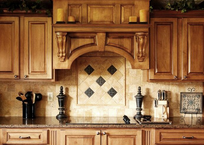 Traditional tuscan kitchen design small tuscan kitchen for Tuscan style kitchen backsplash