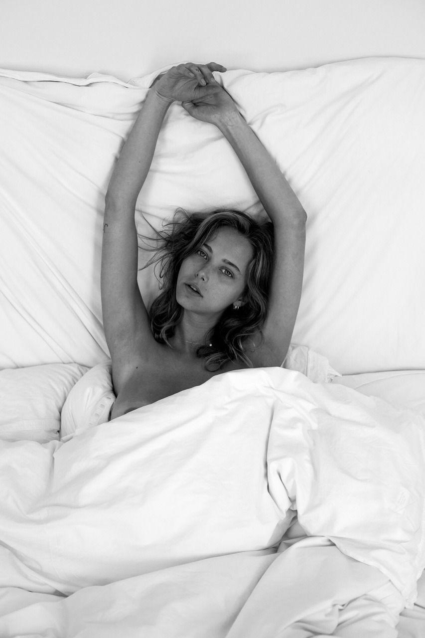 Coline Aulagnier Nude Photos 41