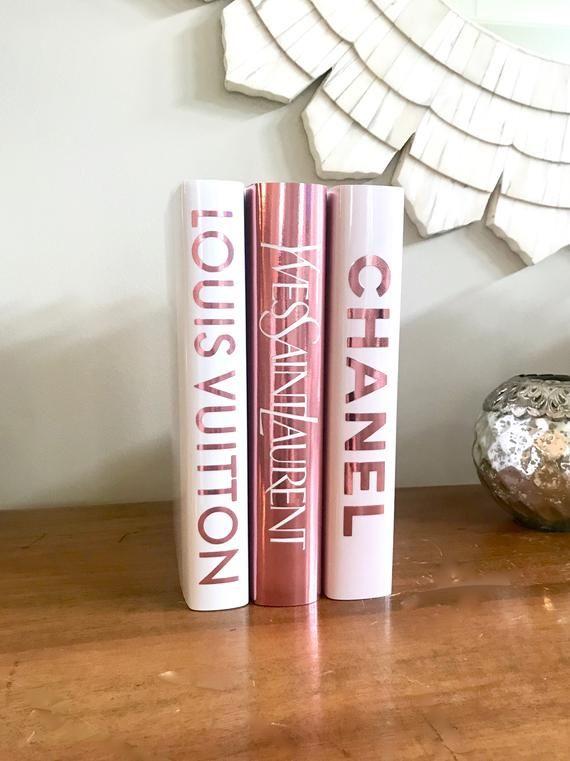 Or rose métallisé créateur de mode livre inspiré pile livres   Etsy