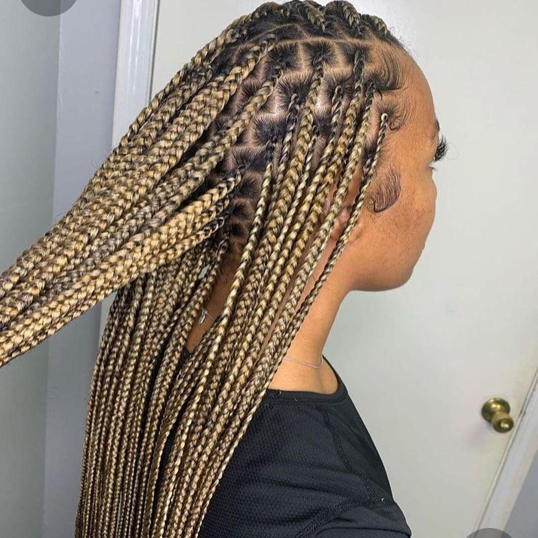 For 110 130 Who Wants Colored Knotless Box Braids Message Me Serious Inquiries Only 30 Non R Blonde Box Braids Box Braids Styling Box Braids Hairstyles