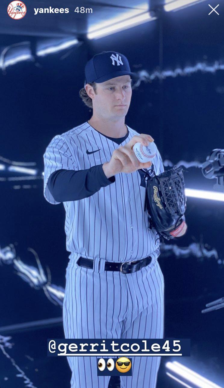 Pin By Linda Riga On Ny Yankees In 2020 Ny Yankees New York Yankees Yankees