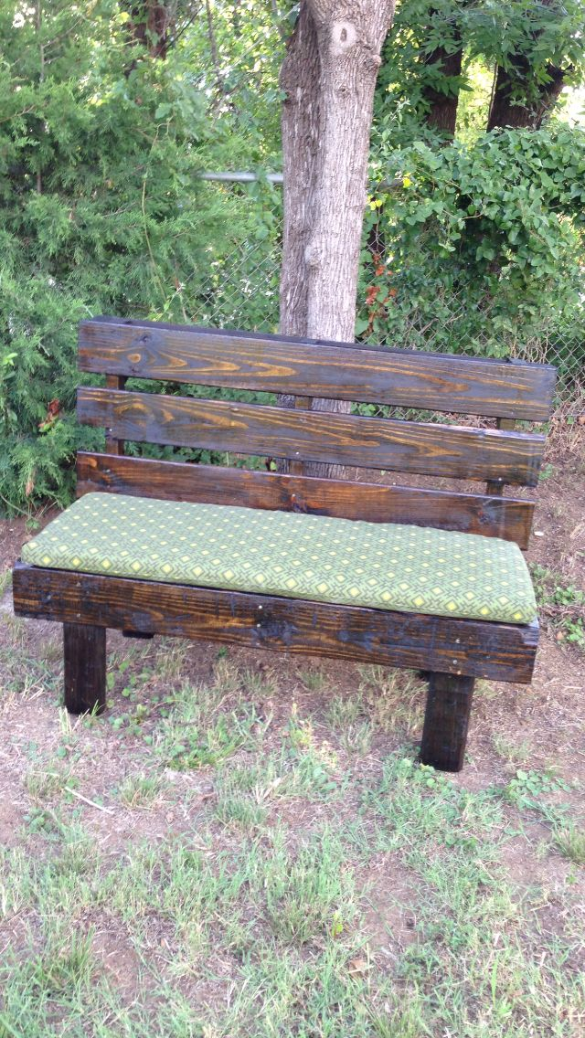 Reclaimed pallet wood bench pallets pinterest the for Wooden pond ideas