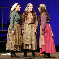 Sisters Fiddler On The Roof Fiddler Broadway Costumes