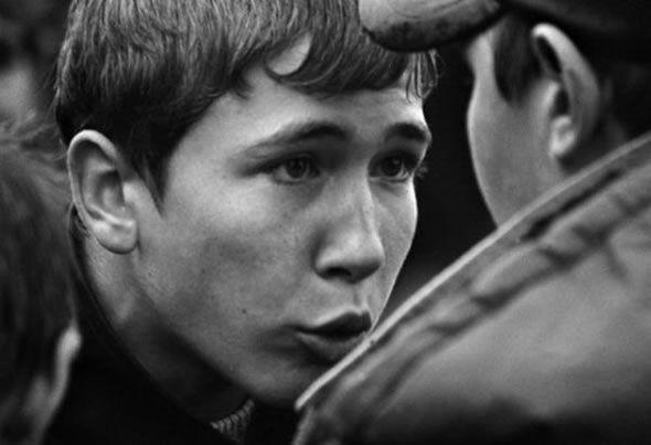 Gopnik - En Rusia, esta palabra ha sido acuñada para describir a los jóvenes descontentos propensos a la violencia, el incumplimiento de la ley y el consumo excesivo de bebidas alcohólicas #gopnik #rusia
