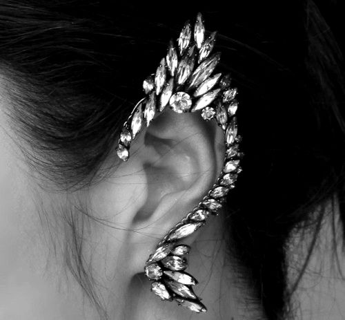 Omg...this earring!