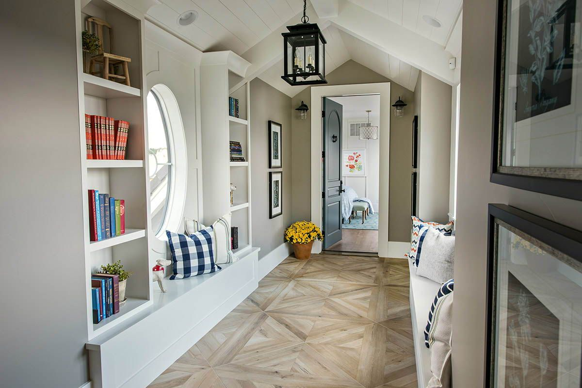 Photo of The cottage-style house options drooling interiors in Colorado Springs