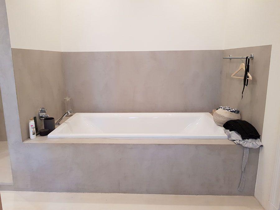 Gemutlich Und Elegant Diese Silberne Weisse Farbkombination Macht Diese Fugenlose Badewanne Zu Einer Wohlfuhloase Fugenlos Gluckl Fugenloses Bad Badewanne Bad