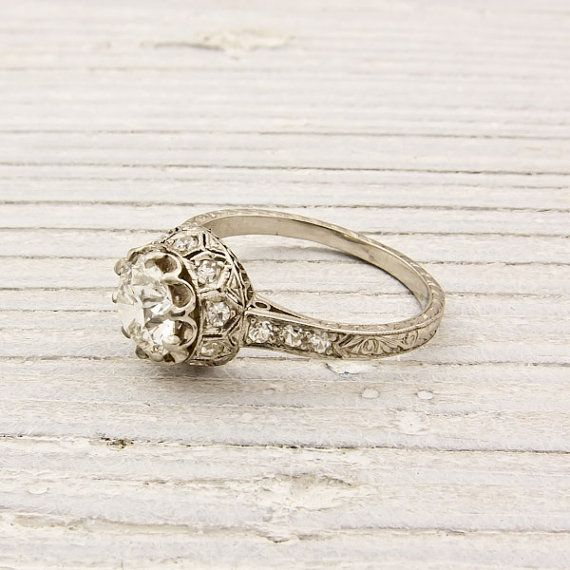 Beautiful antique ring.