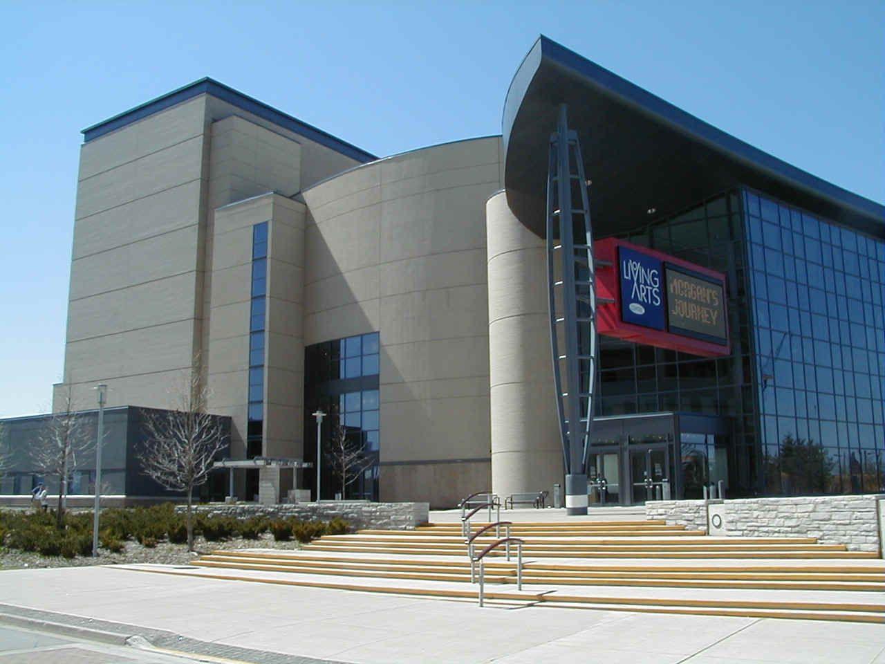 Mississauga performing arts center. Opera Mississauga