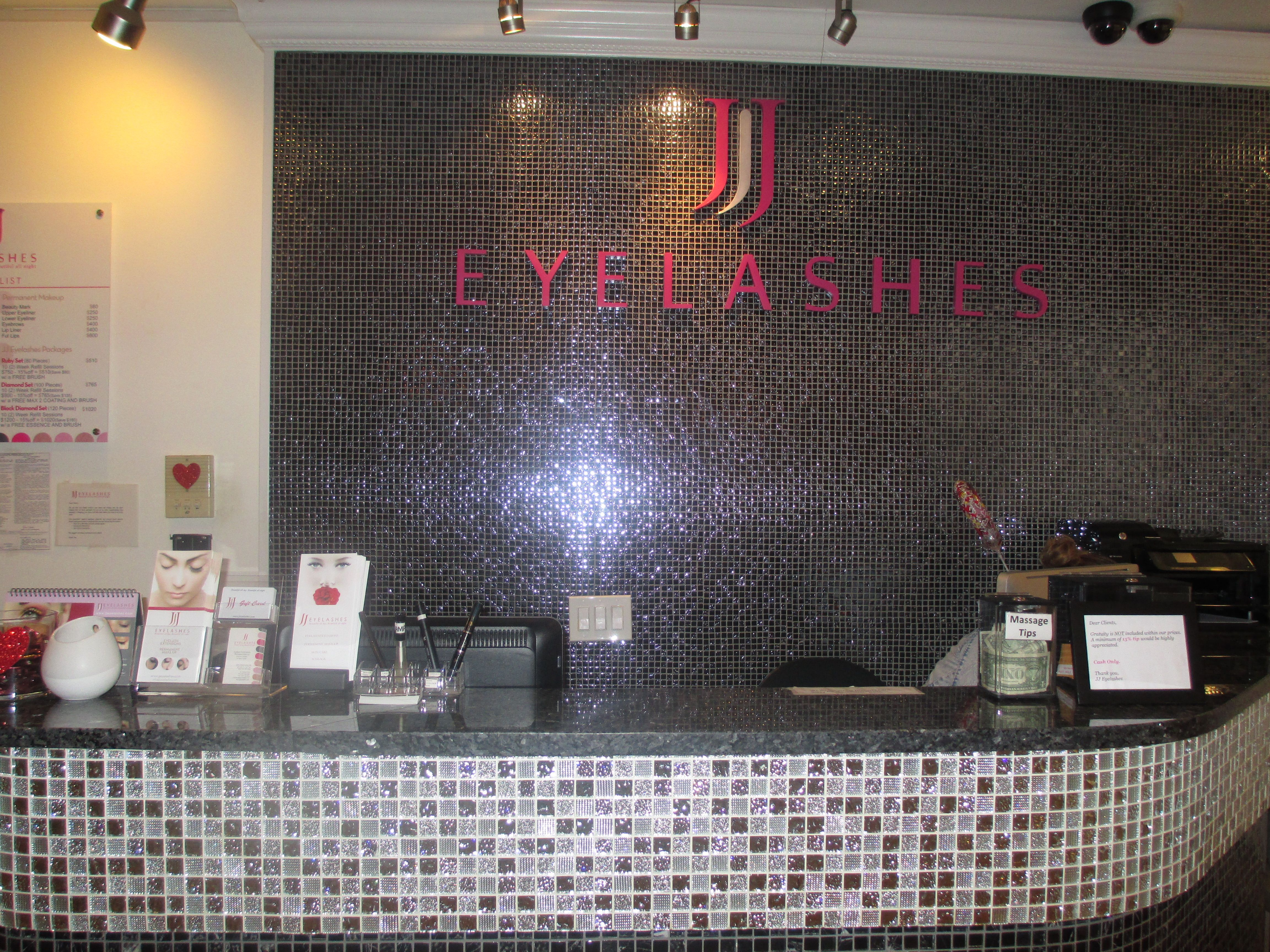 Have you been to JJ Eyelashes Midtown? Yumi gave this client an ...