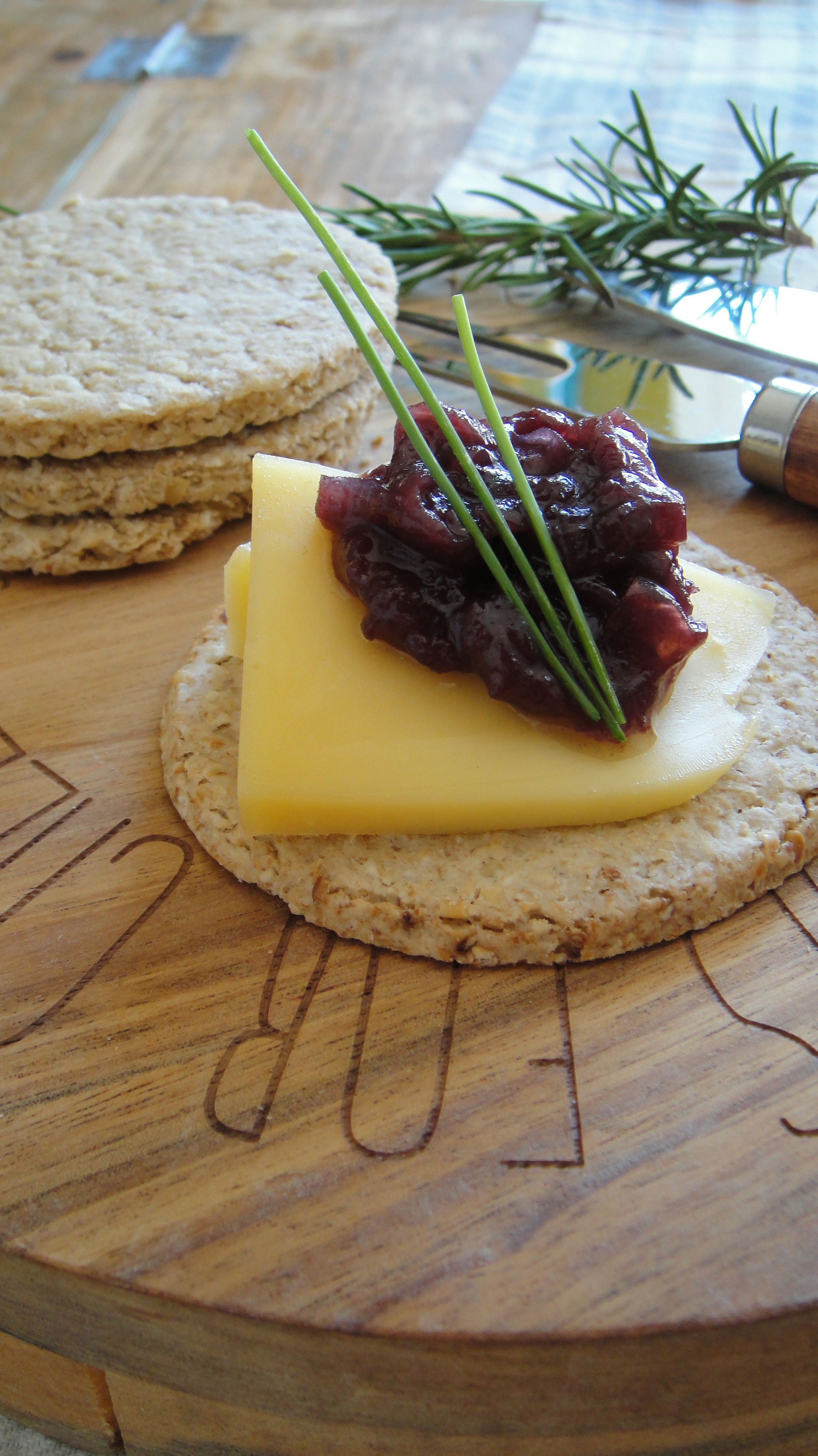 McCallum's Oatcake with cheddar and red onion marmalade