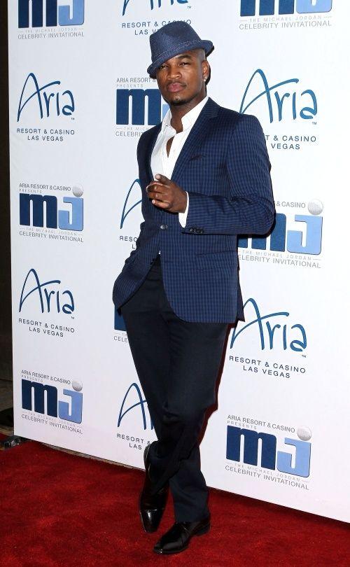 Neyo, Neyo, Neyo I just love the style of a gentleman!! He looks ...