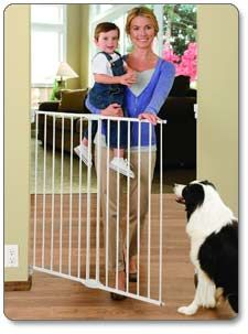 Munchkin Extending Extra Tall And Wide Metal Gate Product Shot