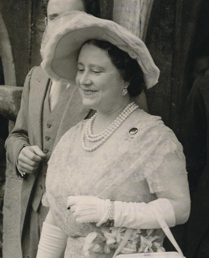 Queen Elizabeth the Queen Mother wearing her floral