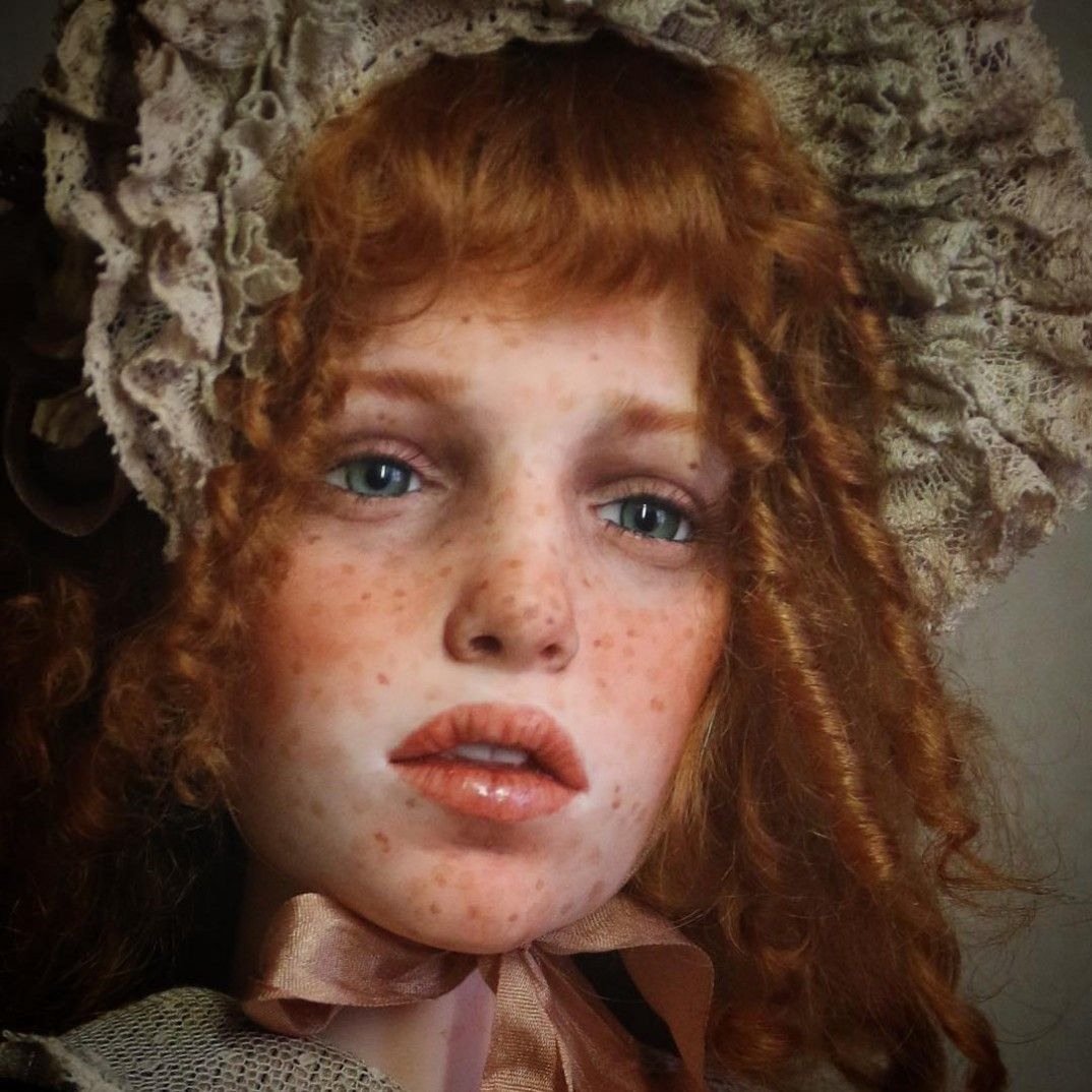 the hyperrealistic dolls of