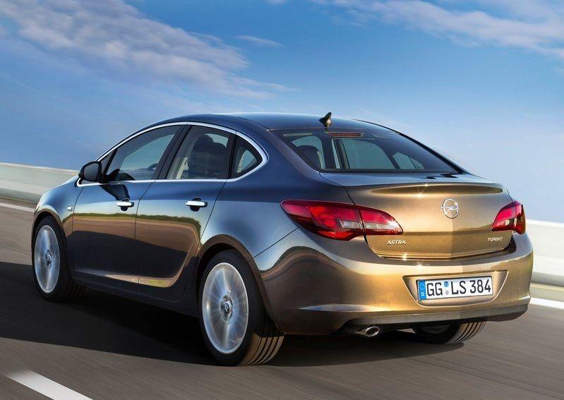2020 Opel Astra Sedan Yillara Inat Hala Cok Satiyor 2020 Araba Otomobil Ford