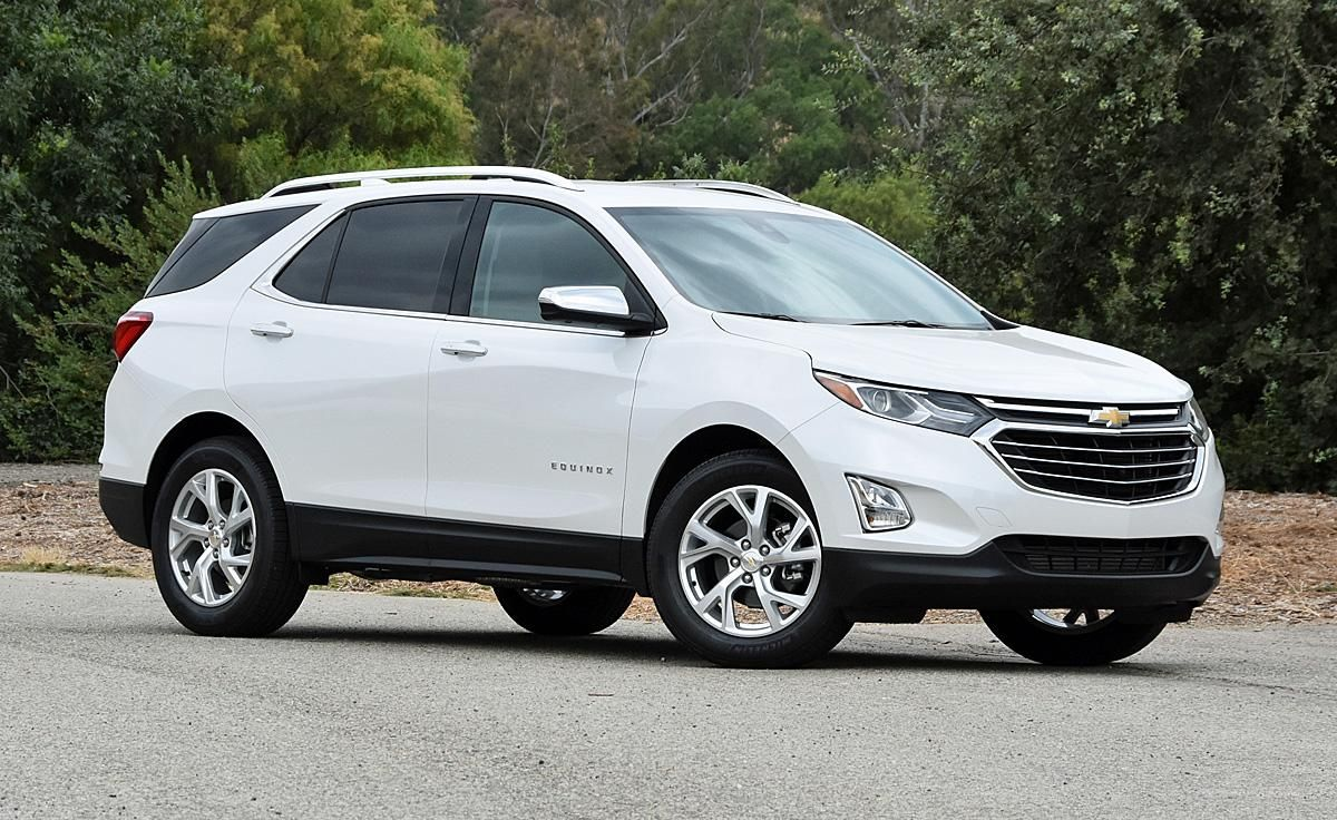 Ratings And Review The 2018 Chevrolet Equinox Is A Good Crossover Suv But Value Proves Elusive Chevrolet Equinox Best Crossover Suv Buick Envision