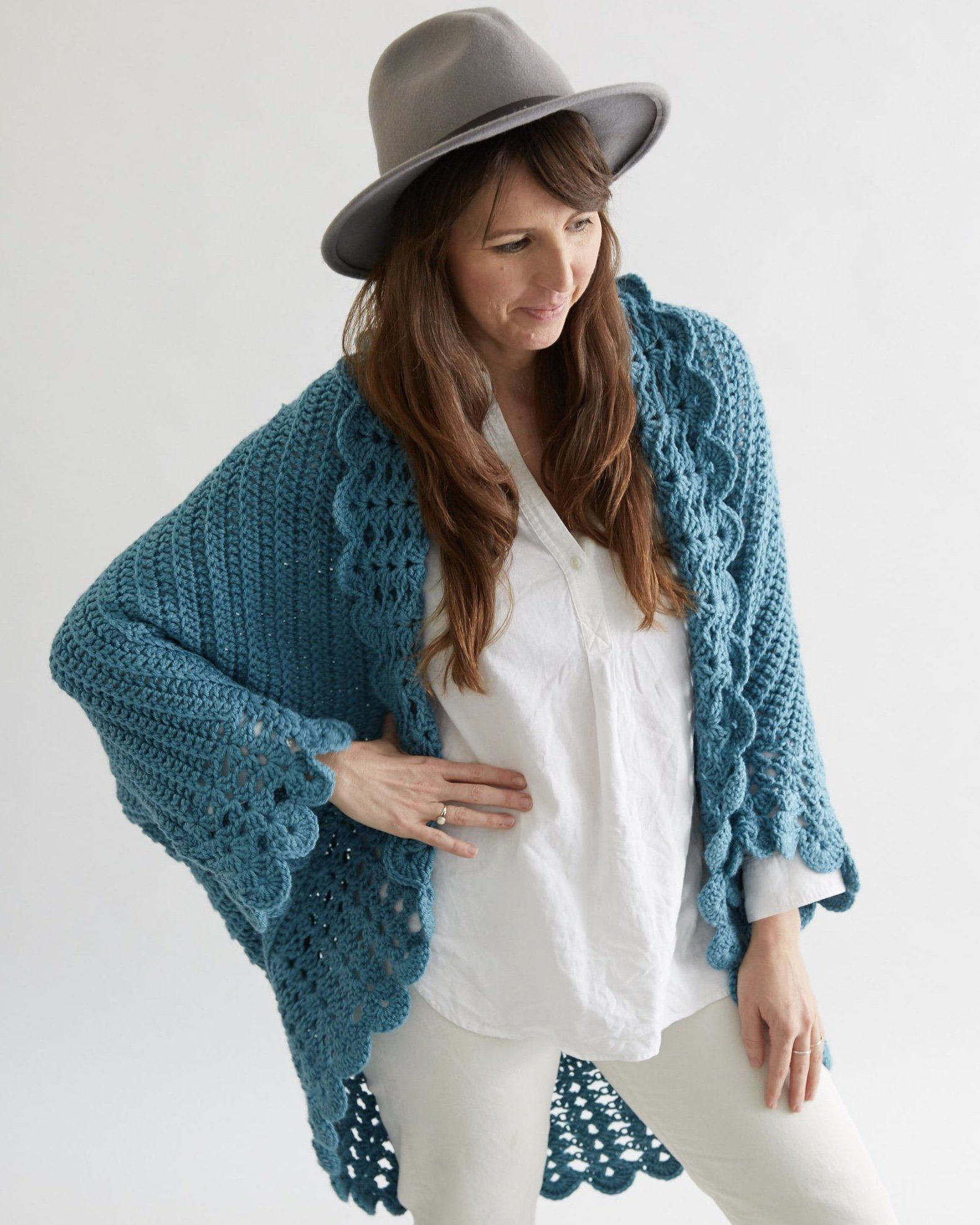 Shell Edged Jacket Crochet Pattern | Patrón de ganchillo, Chaquetas ...