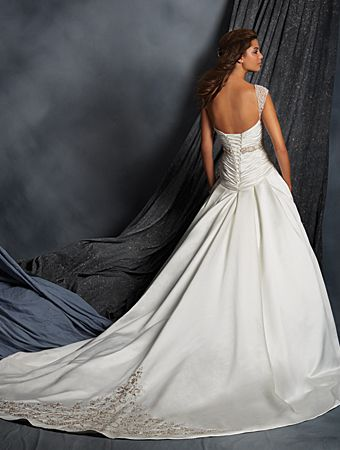 Alfred Angelo Bridal Style 2522 from Alfred Angelo Signature Wedding ...