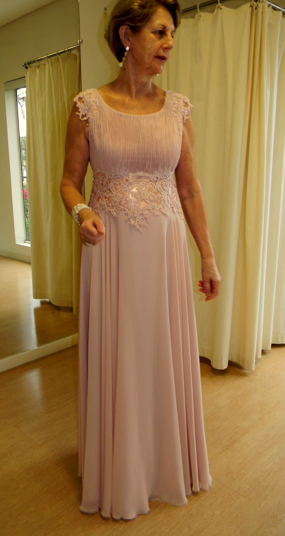 b123167616 Rosa nude- mãe de noiva Roupa De Festa Feminina