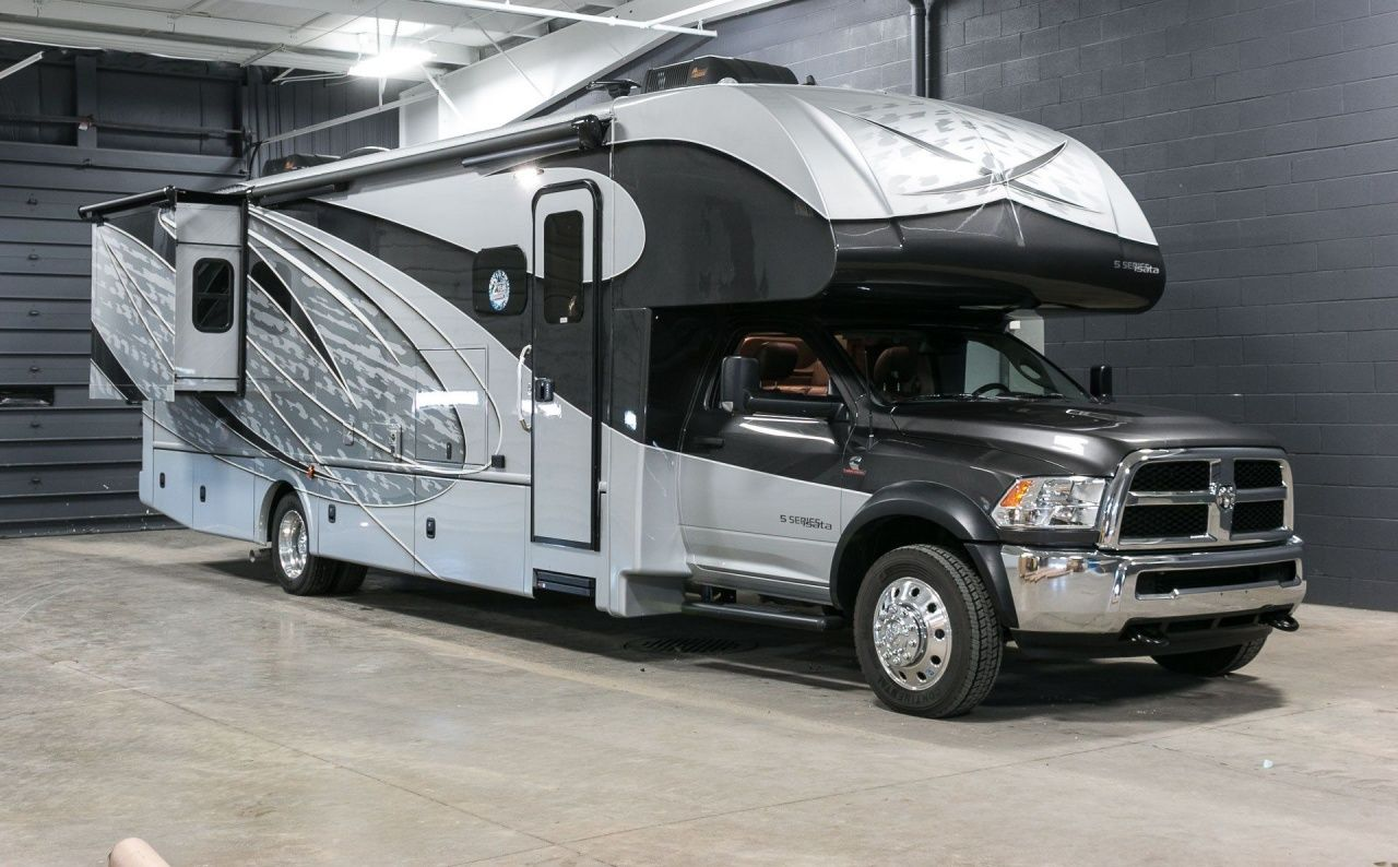 2 Bedroom Rv For Sale In 2020 Rv For Sale Motorhome Rvs For Sale