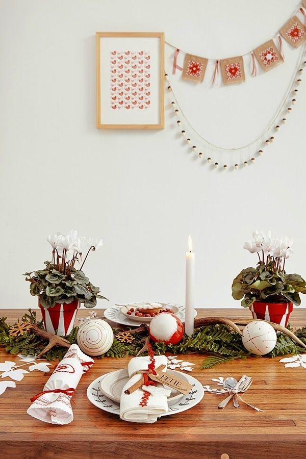 Una Sencilla Y Ra Pida Decoracia N Para La Mesa De Navidad Decoracia N Decorar Mesas De Navidad Decoracion De Mesas Navidenas Mesa De Navidad