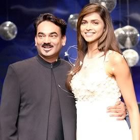 Famous Indian Fashion Designer Wendell Rodricks Is From Goa He Is A Veteran Clothes Designer Who Specia Wedding Outfit Indian Fashion Designers Bridal Outfits