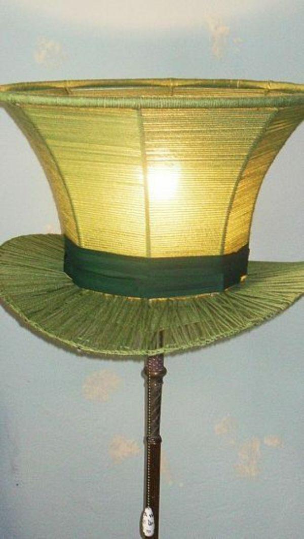 Lampe inspiriert von alice im wunderland hut des - Alice im wunderland deko ...