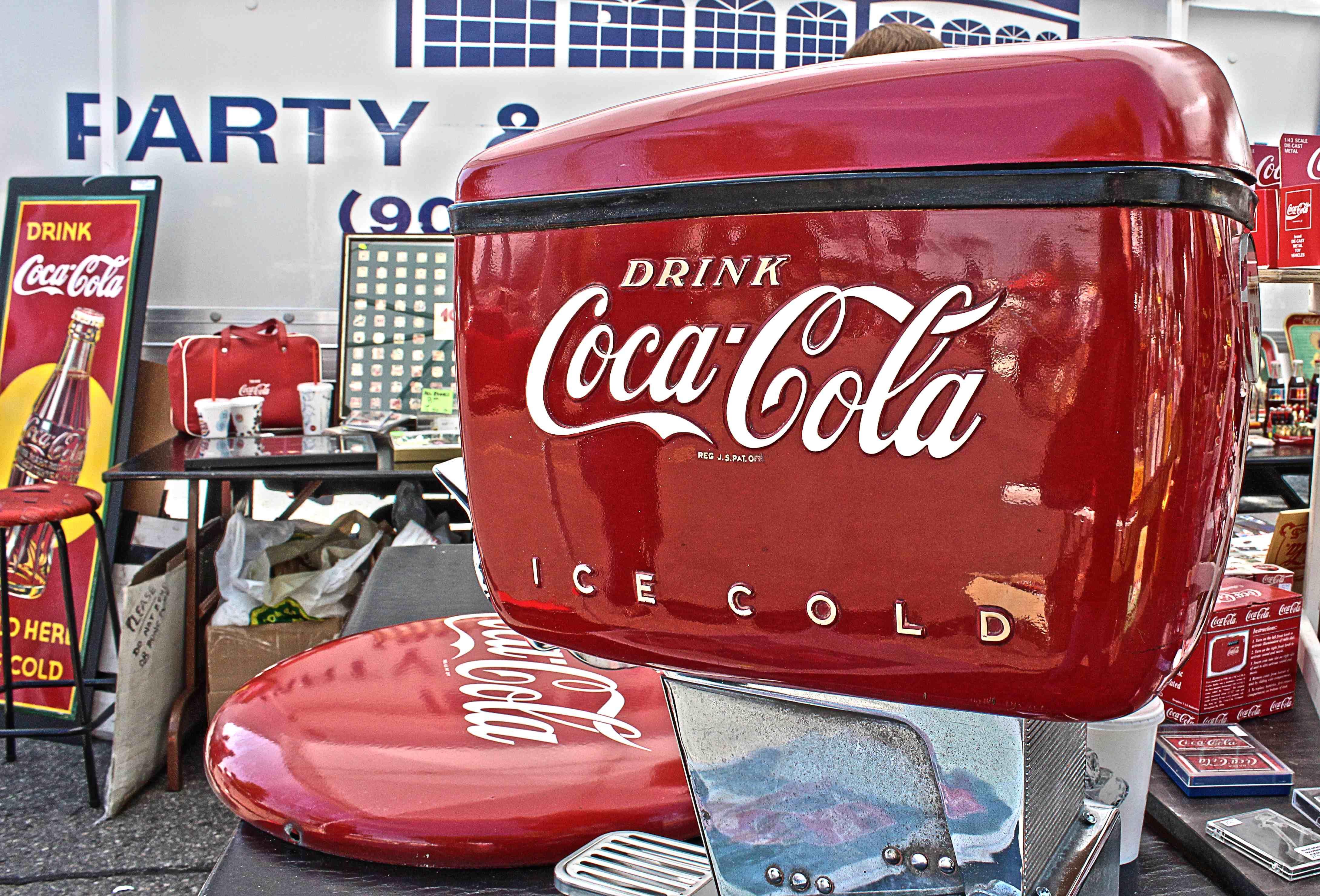 Coca Cola Kühlschrank Retro : Pic of a vintage coca cola dispenser i took at a memorabilia show in