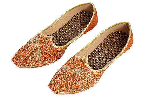 Indian Men S Wedding Shoes Accents Men S Wedding Shoes Shoes Wedding Shoes