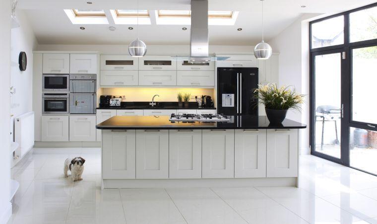 cuisine blanche contemporaine en 75 jolies photos - Cuisine Blanche Avec Plan De Travail Noir