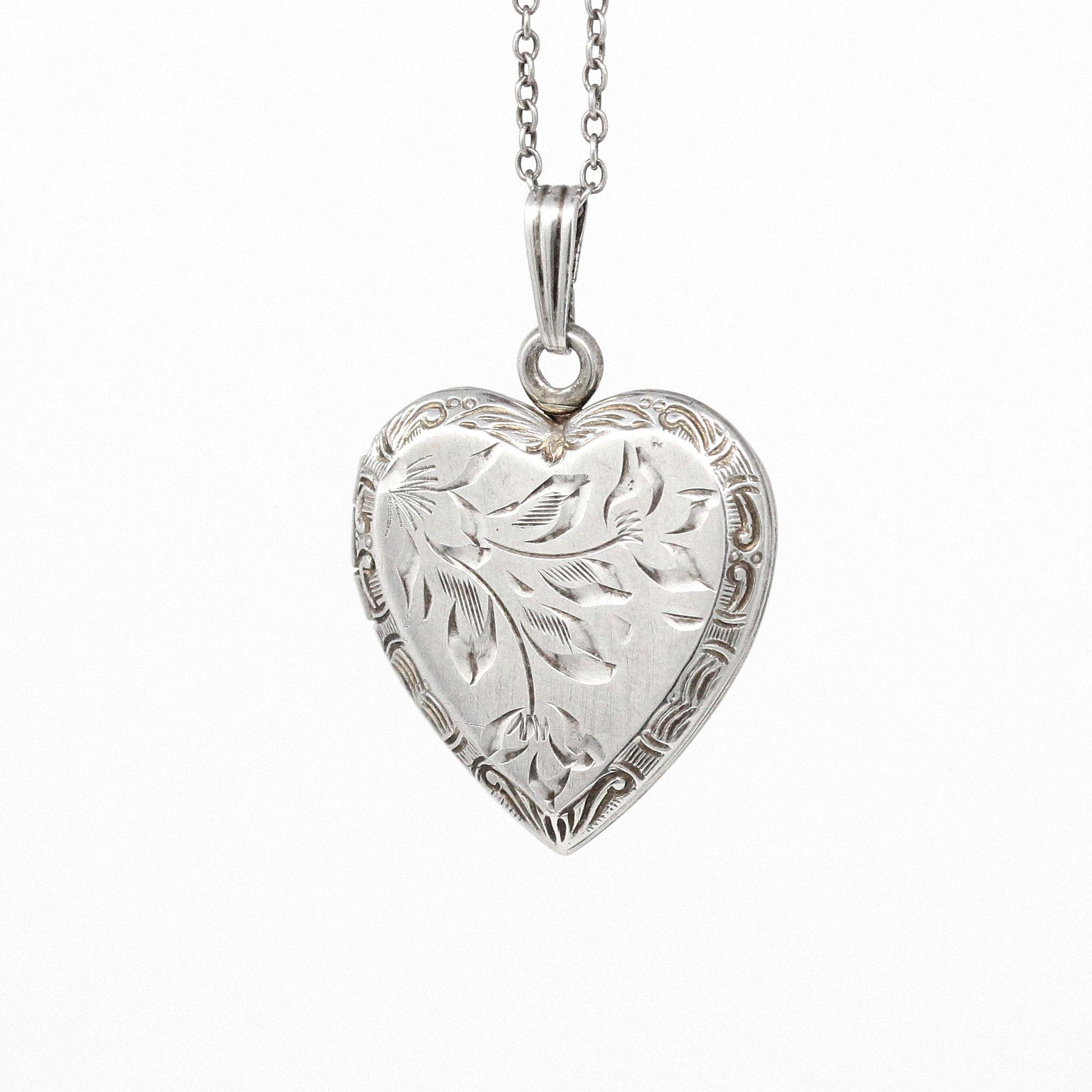 Vintage silver heart pendant necklace