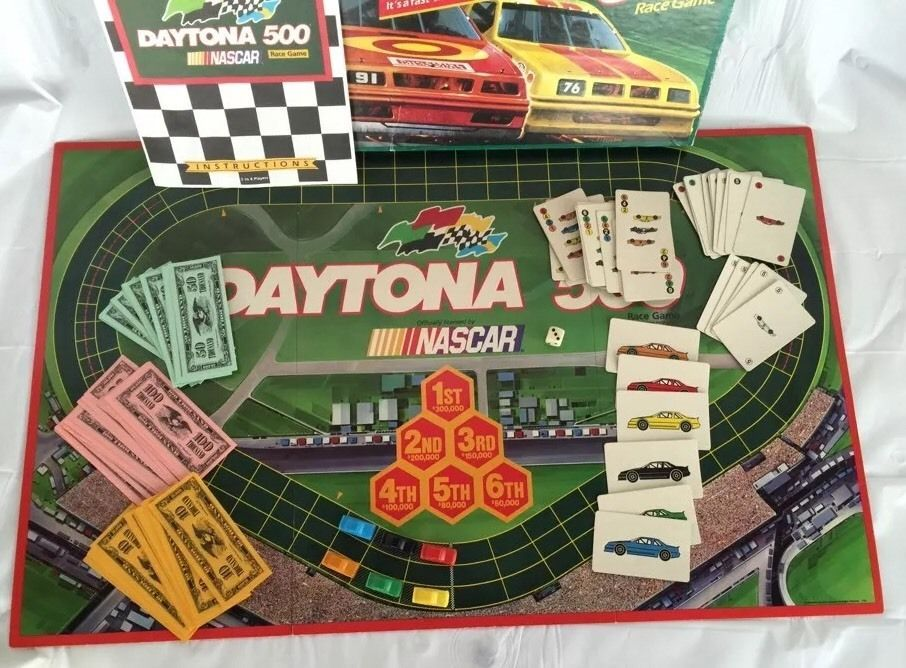 Milton Bradley Nascar Daytona 500 Race Board Game Vintage