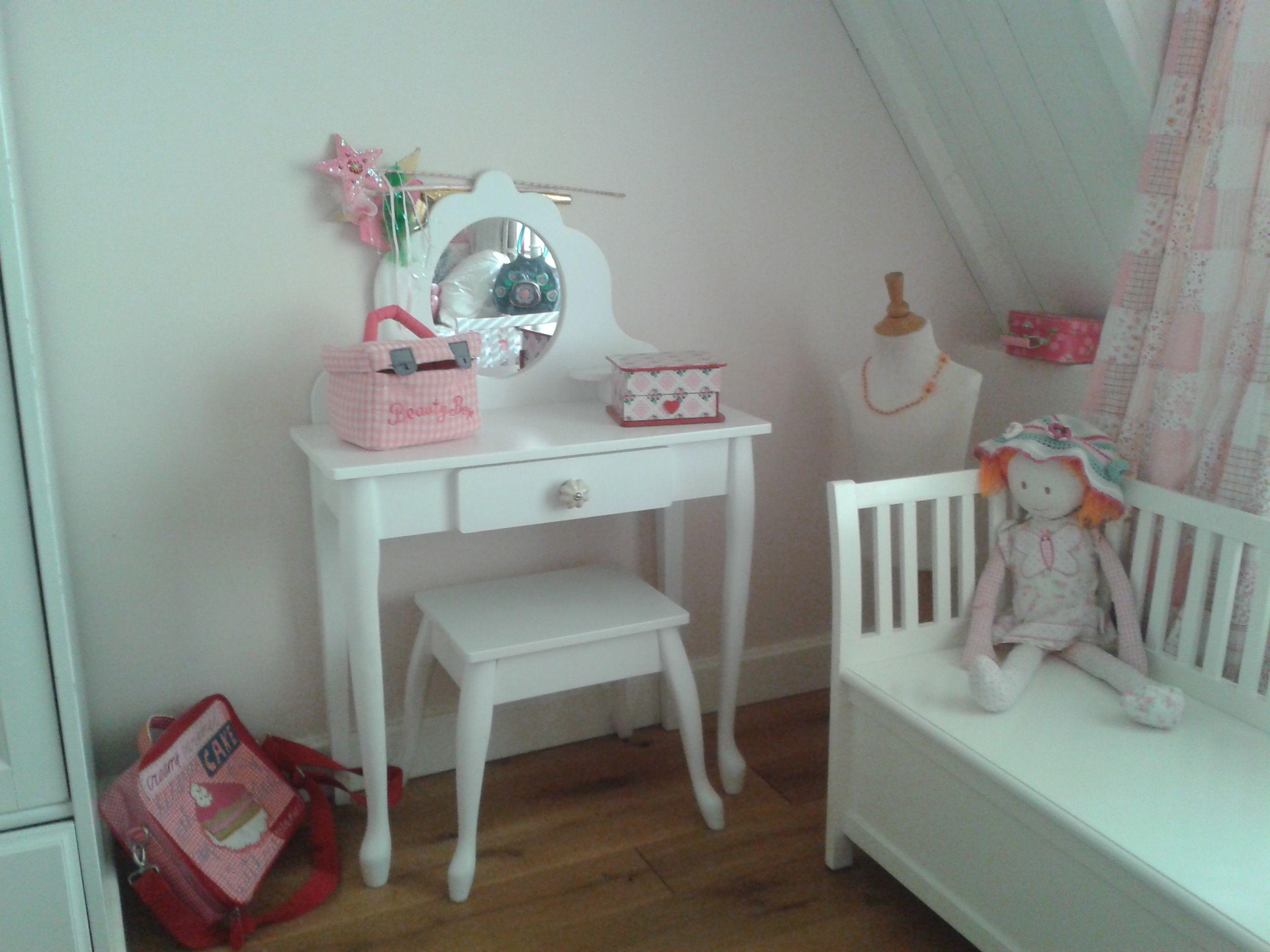 Kaptafel, onmisbaar op een meisjes kamer - door Tamara de Boer ...