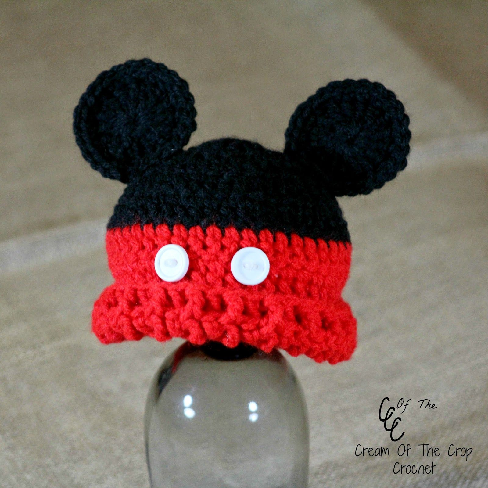 Look how cute this preemie mouse hat pattern is! This is definitely a pattern you should share with your crocheting friends! It comes in 4 different sizes with edging! Maybe even consider donating ...