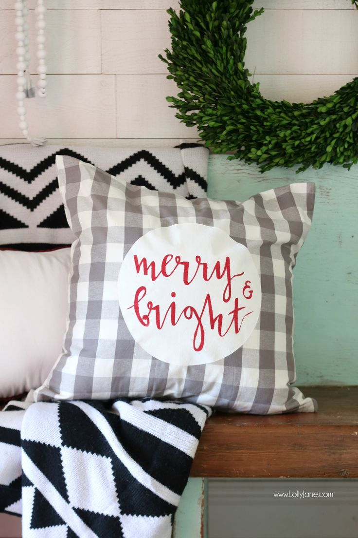 Cute Merry and Bright Christmas pillow cover. #diy #Christmas ...