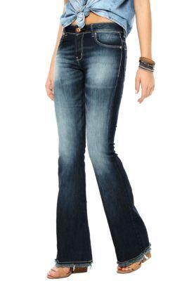 b83eff2752a12 Calça Jeans Flare Estonada Azul Barra Desfiada