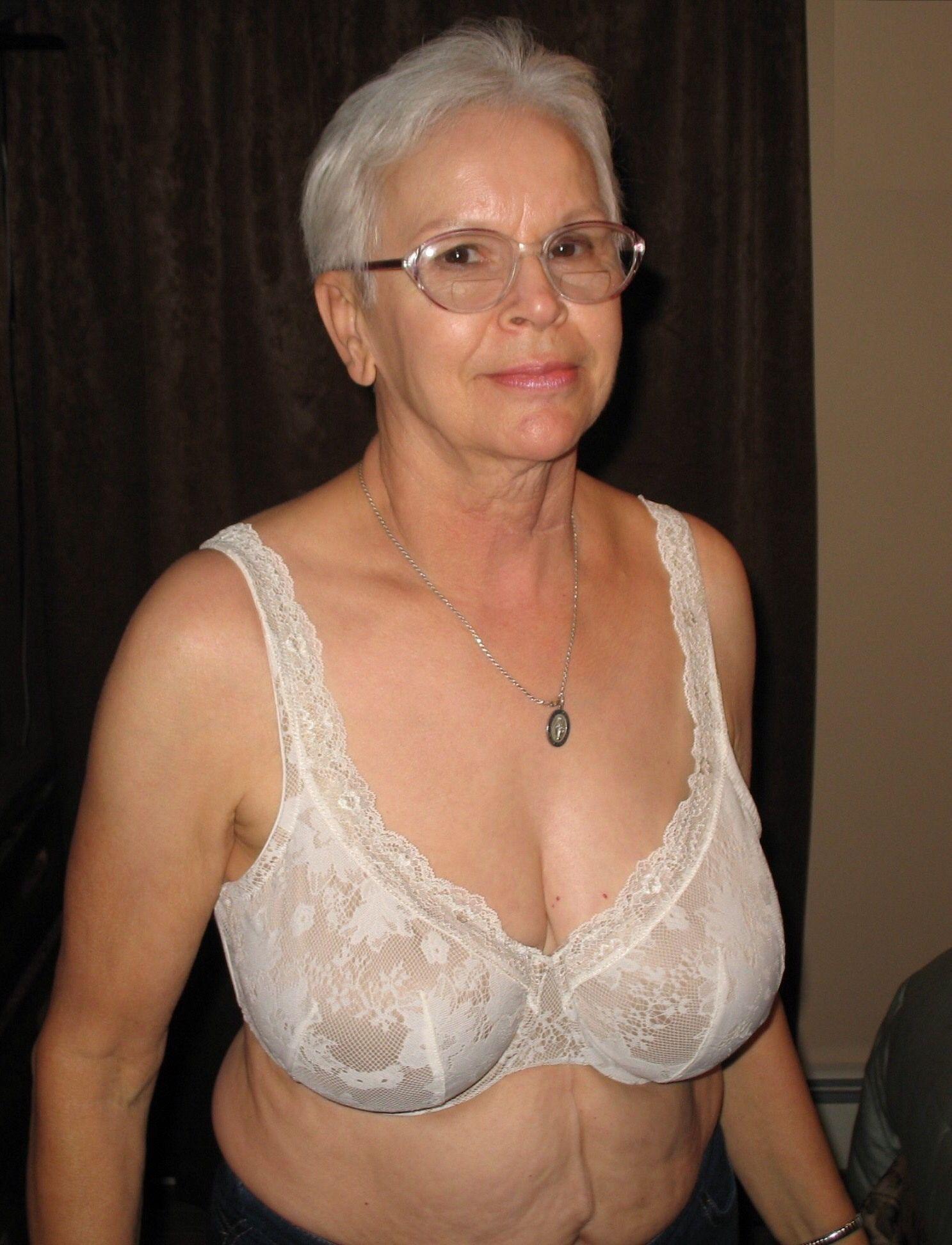 Free granny amature pictures